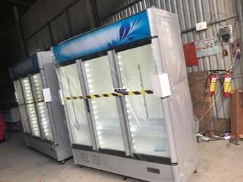 Tủ mát trưng bày siêu thị 3 cánh kính OKASU OKA-3CK