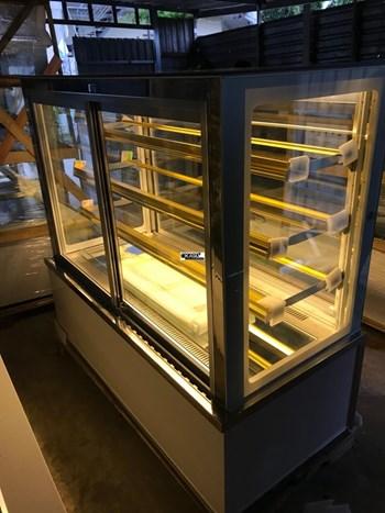 Tủ trưng bày bánh kem 4 tầng OKASU OKA-1800M