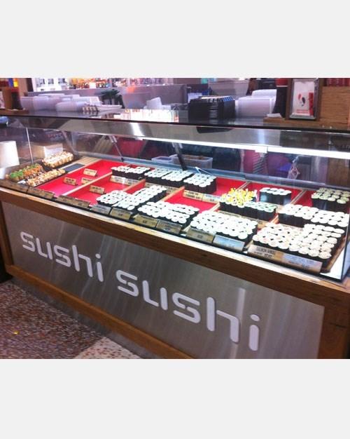 tu trung bay sushi hoshizaki hnc-120be-l-b hinh 2